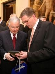 Honorowy Obywatel Miasta Nowego Sącza Prezydent Rzeczypospolitej Polskiej Lech Kaczyński