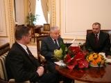 Wizyta w Pałacu Od lewej Artur Czernecki.Lech Kaczyński.Jacek Sasin